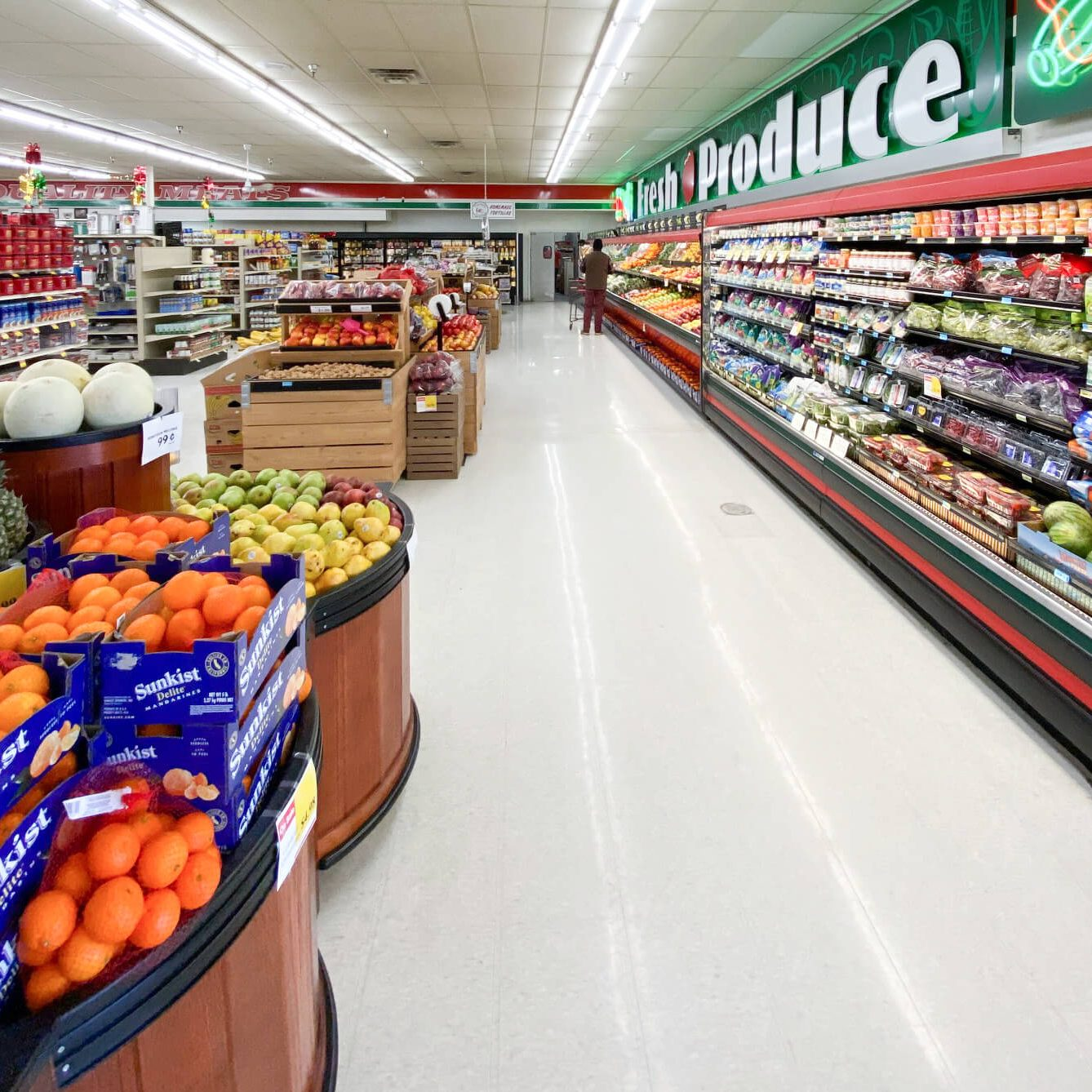 where to get fresh produce in lovell